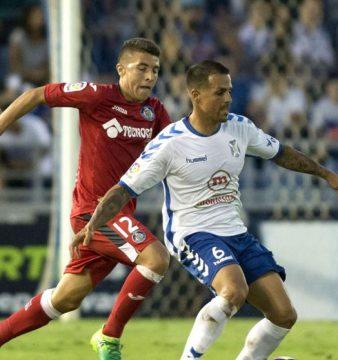 1-0 El Tenerife da el primer paso hacia Primera con un gol de Jorge