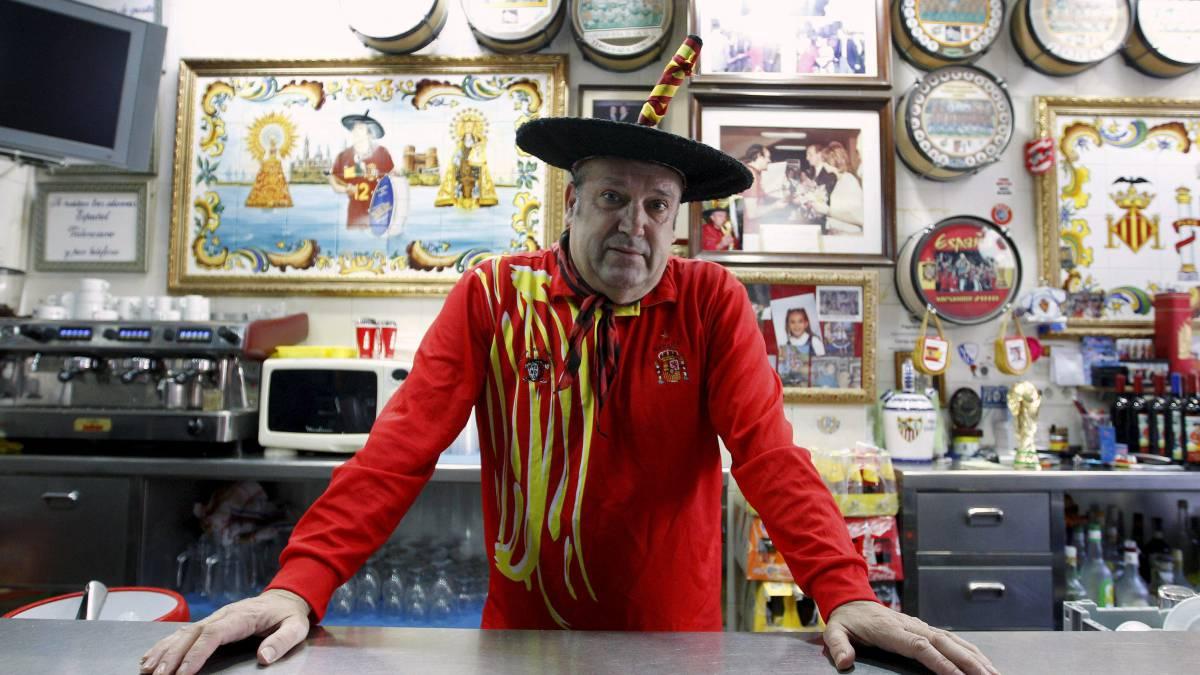 El bar de Manolo el del Bombo se pone a la venta
