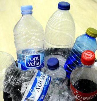 Agua y Plásticos