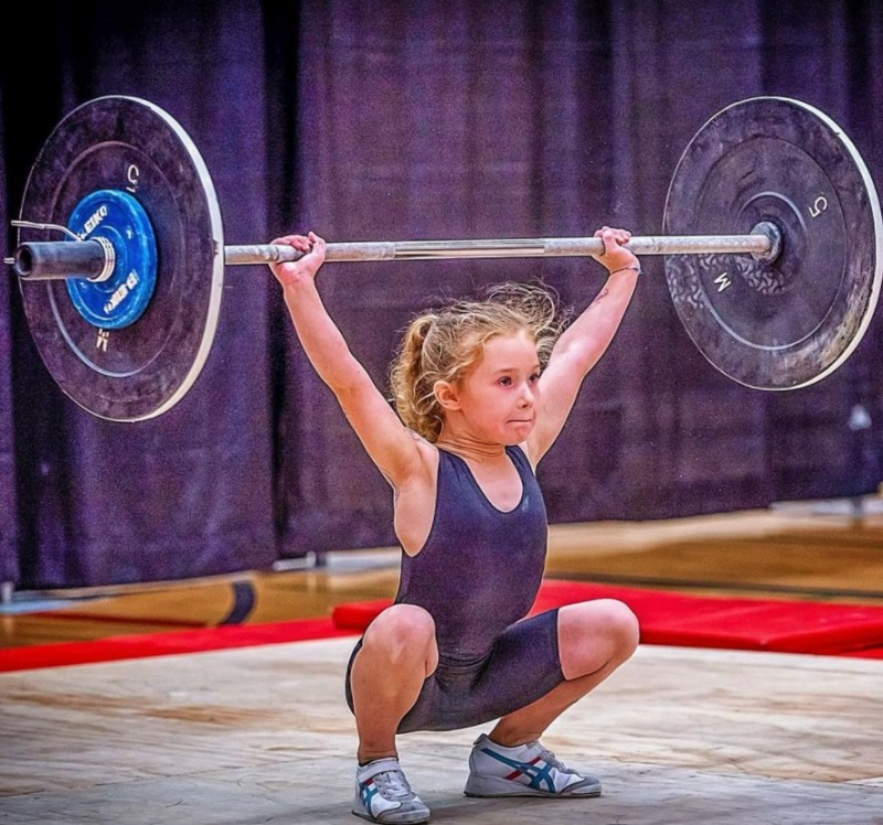 La niña más fuerte del mundo