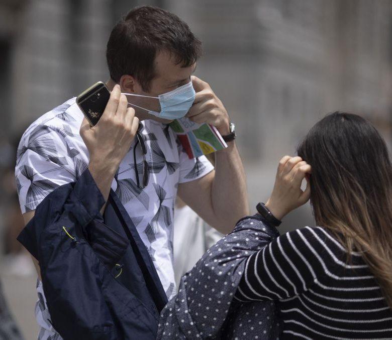 Los Médicos le piden al gobierno que regule el uso de las Mascarillas